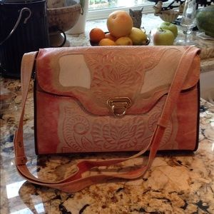 Handbags - Very beautiful rose leather tooled purse horsehead